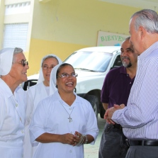 Vicepresidente conversa con religiosas