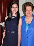 Doña Martha Montes de Oca de Alburquerque junto a su nieta Mariel, bisnieta de don Chichí. | Foto: J. Maracallo