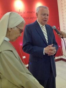 El exvicepresidente de la República es entrevistado al términi de la ceremonia. | Foto: J. Sing